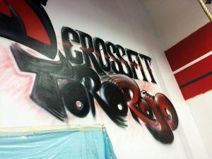 Logo della palestra Toro Rojo fatto a spray.